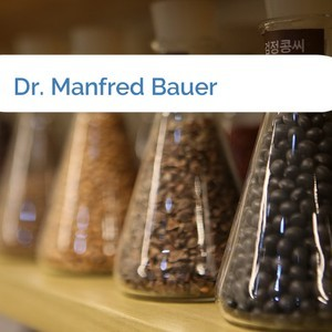 Bild Dr. Manfred Bauer mittel